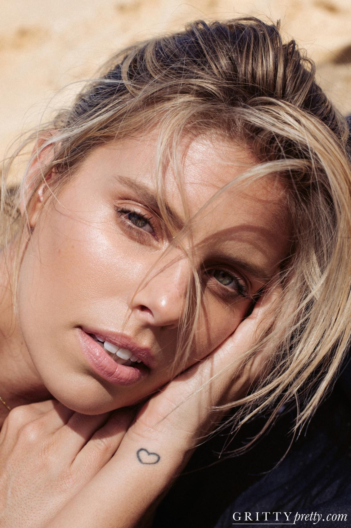 Gritty Pretty Magazine_Natasha Oakley_6